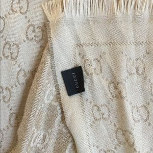 ef33ca66151df Gucci Accessories - GORGEOUS ✨GUCCI✨ Gold Shimmer Scarf